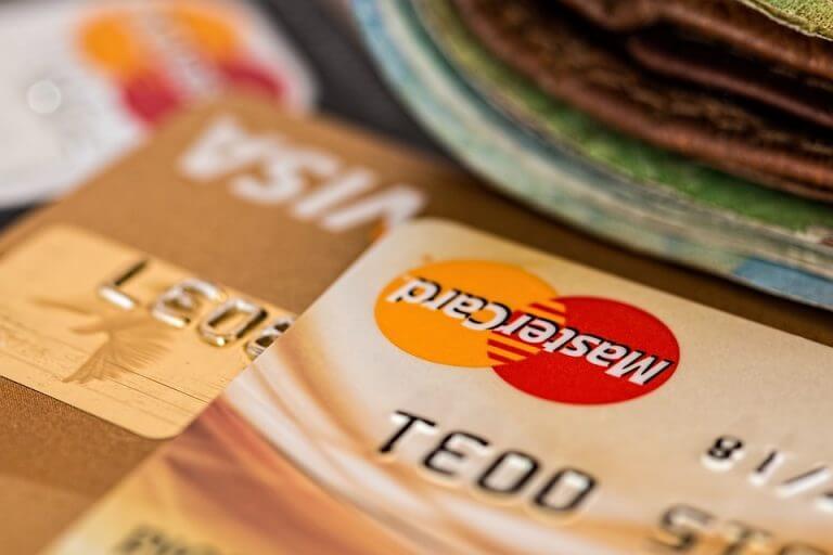 Sự khác nhau giữa thẻ Mastercard và thẻ Visa. Nên làm thẻ nào?