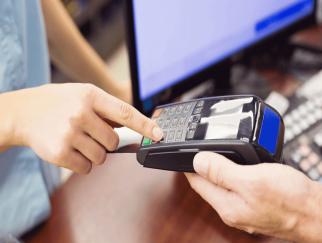sự thật về quẹt thẻ tín dụng